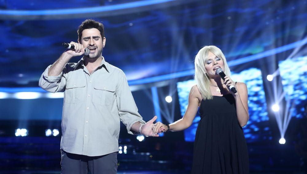 Manu Sánchez y Melody realizan un precioso dúo como Álex Ubago y Amaia Montero en 'Sin miedo a nada'