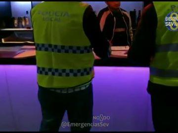 Precintan dos discotecas en Sevilla durante la celebración de la noche de Halloween
