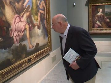 """""""La familia del Prado"""": el nuevo libro del escritor Juan Eslava Galán que recopila anécdotas de los Borbones y los Austrias"""