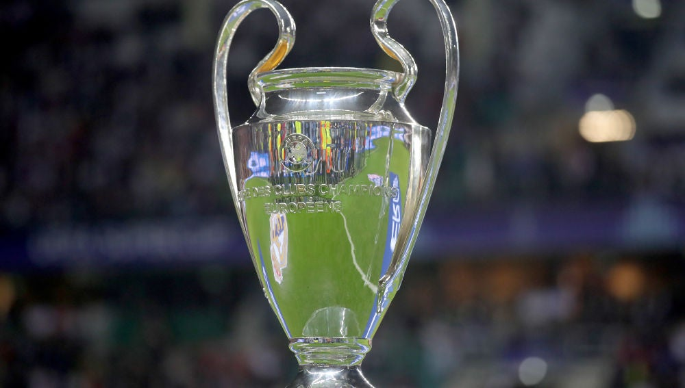 El actual trofeo de la Champions League