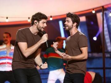 Jordi Coll y Álvaro Soler nos hacen mover 'La cintura' en 'Tu cara me suena'