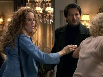 Gabriel golpea a Carlos por insinuar que no es un buen padre