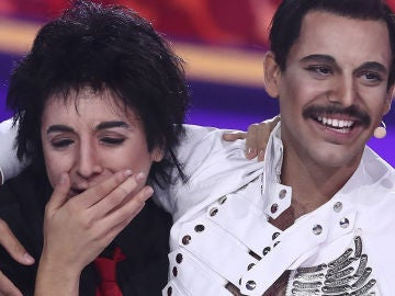 Las lágrimas de emoción de Mimi tras la actuación de su amigo Agoney