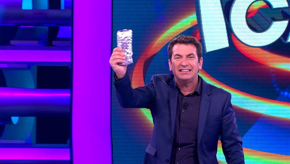 El divertido descarte de Arturo Valls para repartir un bocadillo en '¡Ahora Caigo!'