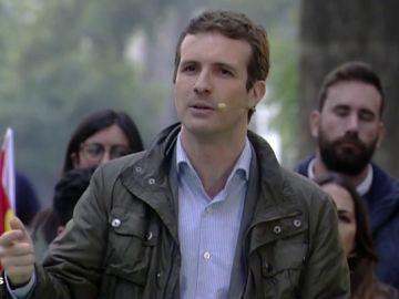 """Pablo Casado acusa a Pedro Sánchez de """"venderse al independentismo"""""""