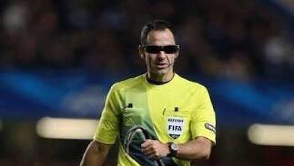 Velasco Carballo, ciego en un fotomontaje