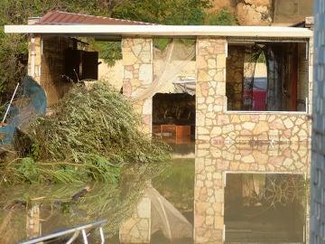 Imagen de la casa en la que se encontró el cuerpo de nueve fallecidos por las lluvias