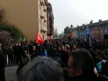Un grupo antifascistas se detiene a 250 metros del acto de España Ciudadana en Alsasua
