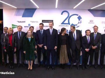 El diario La Razón celebra su XX aniversario con un acto presidido por los Reyes