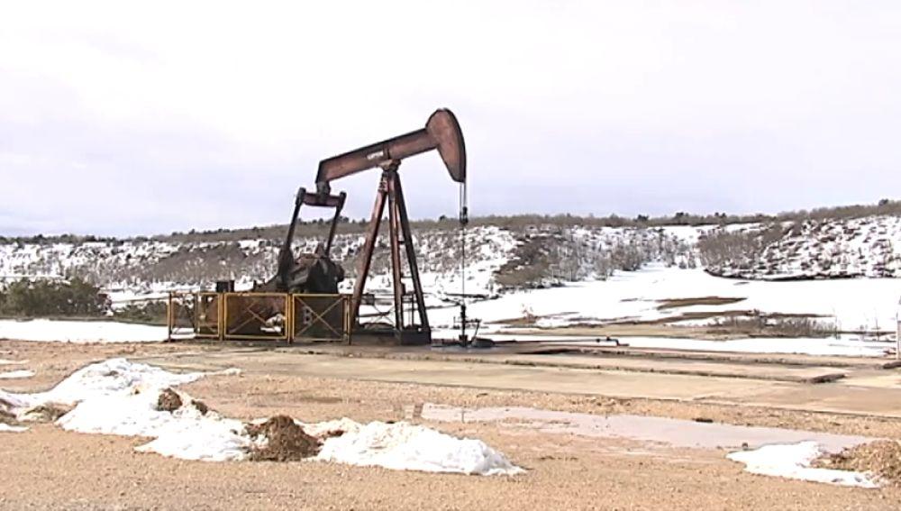 Cierra el único campo petrolífero de España