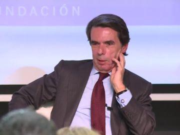 """Aznar: """"Tenemos un gobierno peculiar, por decirlo diplomáticamente, apoyado por los que se quieren liquidar el país"""""""