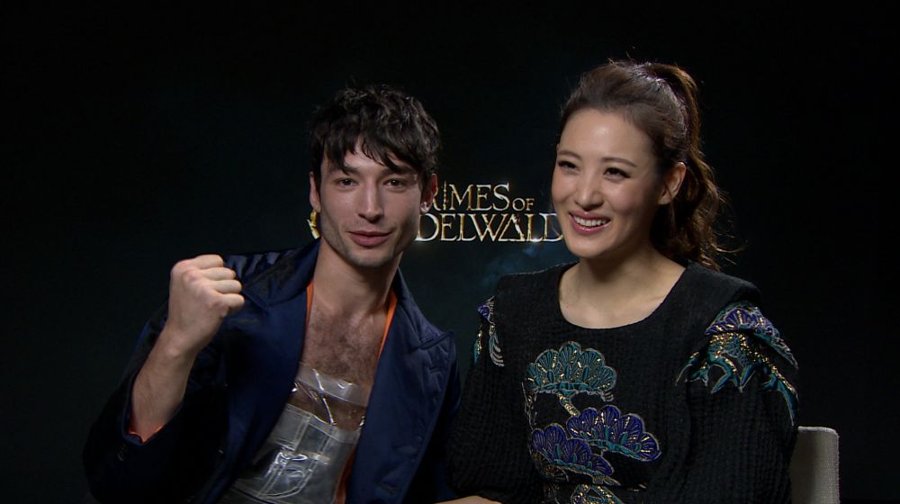 Ezra Miller y Claudia Kim protagonizan 'Animales Fantásticos: Los Crímenes de Grindelwald'