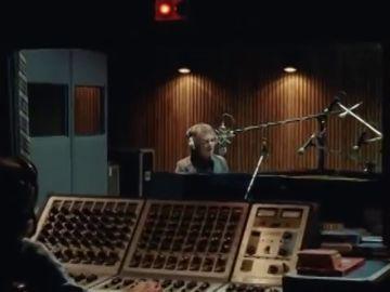 Elton John emociona en uno de los anuncios navideños más esperados por los británicos