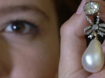 Subastan las joyas de María Antonieta: 32 millones de euros por un colgante