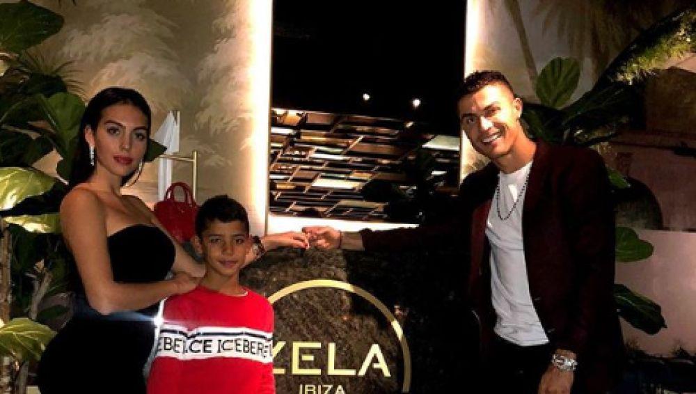 Cristiano y Georgina, tras la cena en Zela London