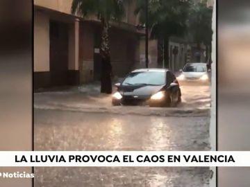 Valencia, colapsada por una gran tromba de agua: no llovía tanto desde hace diez años