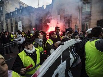 Protesta contra Macron por la subida de carburantes