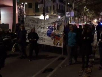 Protestas en el Raval contra los narcopisos
