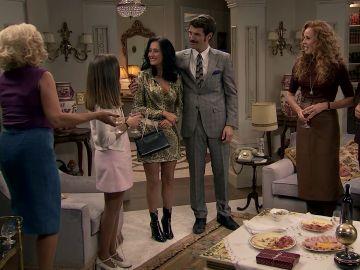 Carlos, dispuesto a arruinar la noche de Gabriel y de Natalia