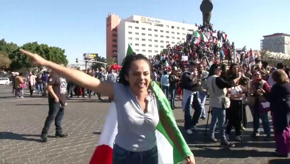 """Manifestaciones antiinmigrantes agitan las calles de Tijuana: """"Fuera hondureños, aquí no te queremos"""""""