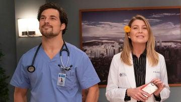 Andrew DeLuca y Meredith en 'Anatomía de Grey'