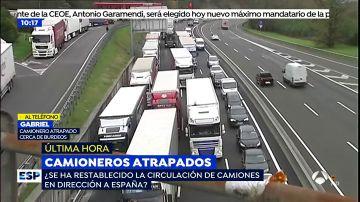 """Camionero atrapado en la frontera: """"Los piquetes nos amenazan con quemar nuestros camiones"""""""
