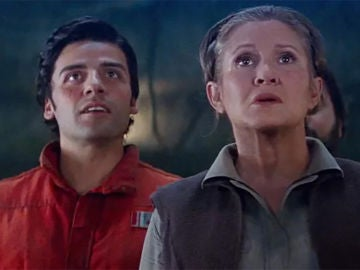 Oscar Isaac y Carrie Fisher