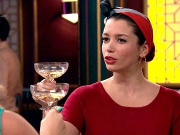 """El brindis reivindicativo de Amelia: """"Porque podamos mostrarnos tal y como somos"""""""