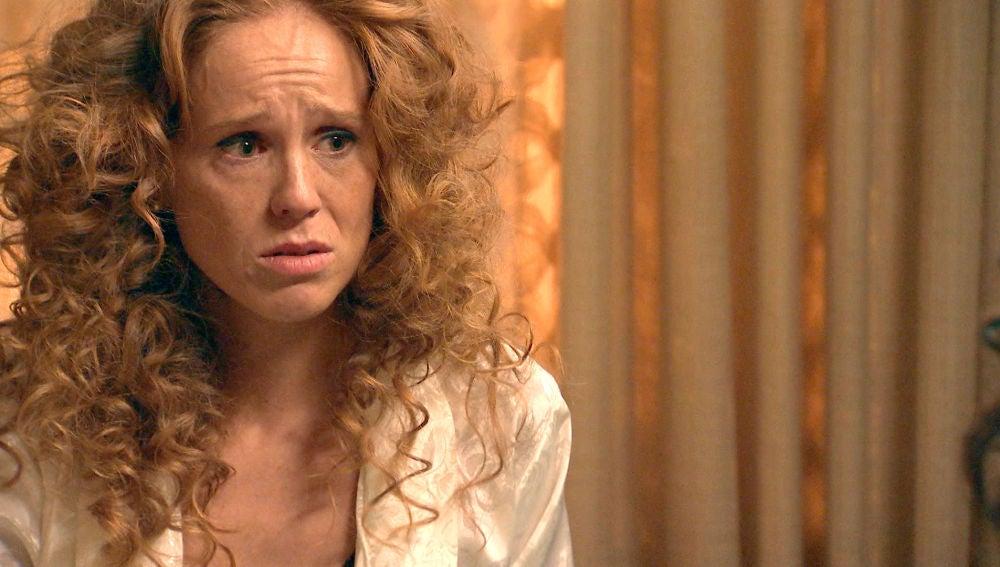 Natalia cambia de planes y le confiesa a Amelia el secreto que le atormenta