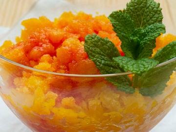 Sorbete de mango con coulis de frambuesas