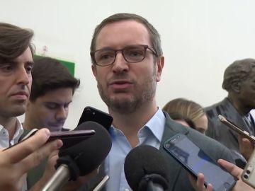 """El PP cree que las palabras de Borrell a Rufián dejan en evidencia a Sánchez: """"Si arrojan serrín y estiércol, ¿qué hacen pactando con ellos?"""""""