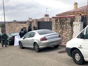 La fachada del chalé en el que dos mujeres han fallecido