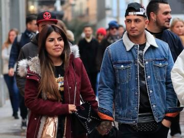 Isa Pantoja y Omar Montes por las calles de Madrid