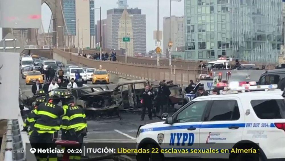 Una víctima mortal en una colisión múltiple en el puente de Brooklyn