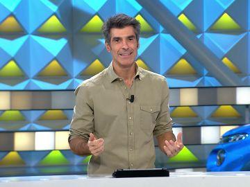 Jorge Fernández confiesa que un taxista le hizo el nudo de la corbata