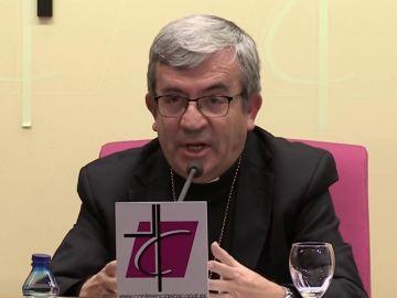 """El portavoz de la Conferencia Episcopal cree que los sacerdotes deben ser """"enteramente varones, heterosexuales"""""""