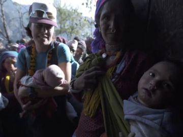 """La expedición solidaria de Edurne Pasaban en Nepal: """"Vengo muy impactada"""""""