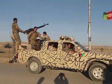 Un atentado suicida provoca la muerte de 27 soldados en Kabul