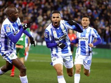 En-Nesyri celebra su gol contra el Alavés
