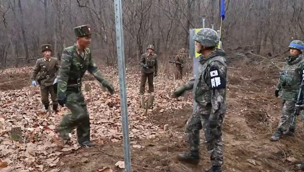 Las dos Coreas se vuelven a conectar por carretera 14 años después