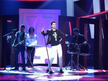 Actuación Jordi Coll Depeche Mode