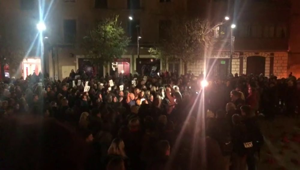 Minuto de silencio en Monzón por la mujer asesinada