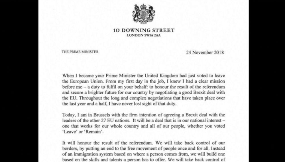 May apela a los británicos a sacar adelante el acuerdo alcanzado con Bruselas sobre el Brexit en una carta abierta