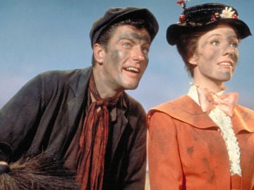 Dick Van Dyke y Julie Andrews en 'Mary Poppins'.