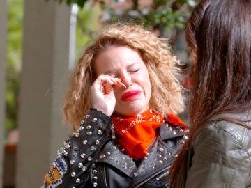 Paloma se enfrenta a un duro momento, su pasado