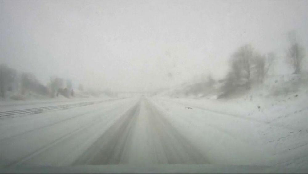 Una tormenta de nieve obliga a cancelar más de 1.000 vuelos en Estados Unidos