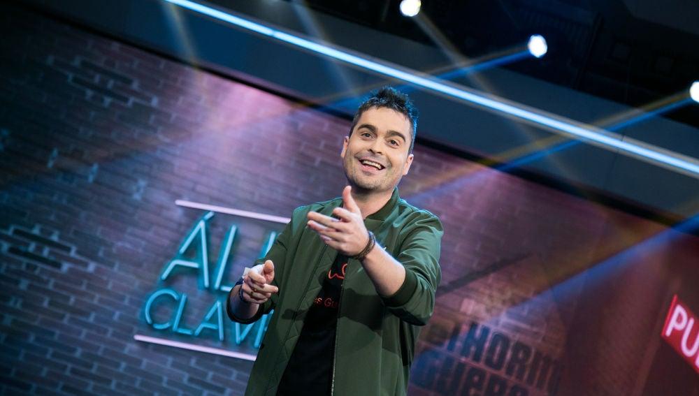 VÍDEO: Álex Clavero denuncia en su monólogo el alto coste de la televisión en los hospitales