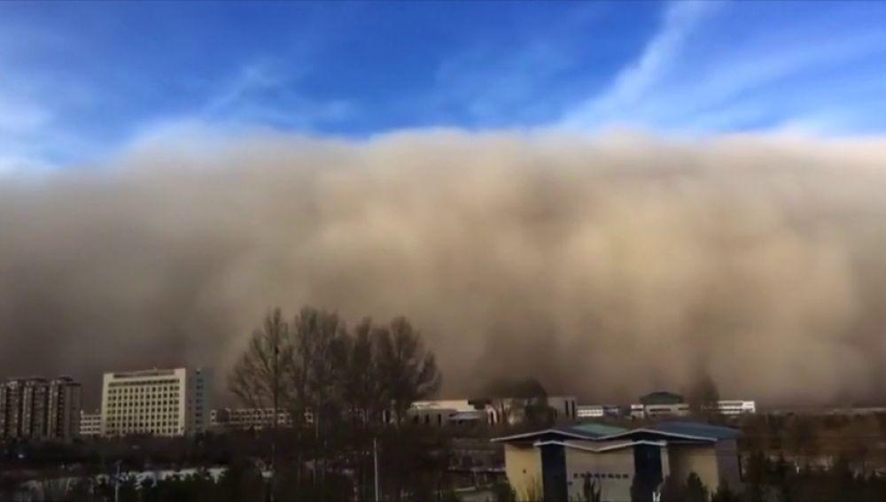 Una tormenta de arena engulle la zona norte de China