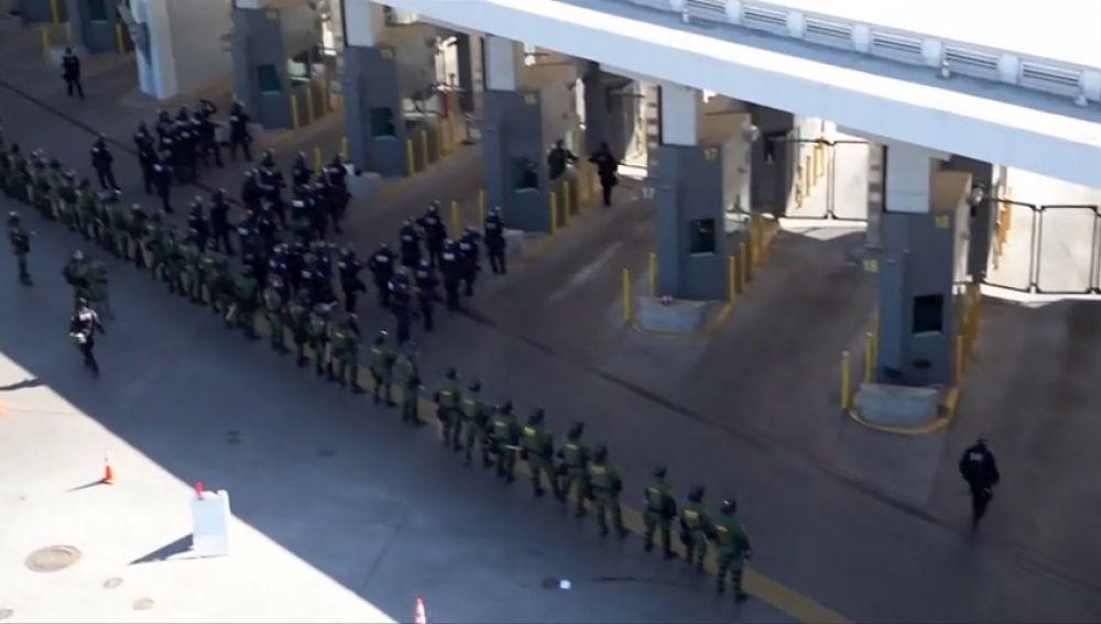Detienen a 42 inmigrantes que entraron por la fuerza a EEUU desde México