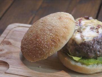 Una hamburguesa rellena para morirse.